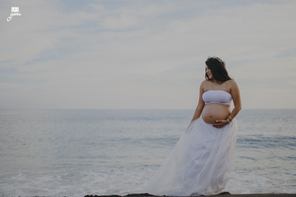 Mom_To_Be_Vanessa_&_David_Waiting_For_Daniel_Campos_Manzanillo_YaRu_Photo_Motion_R-61