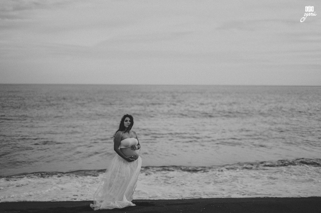 Mom_To_Be_Vanessa_&_David_Waiting_For_Daniel_Campos_Manzanillo_YaRu_Photo_Motion_R-68