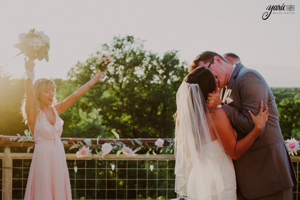 Preview_WeddingDay_Mallory_&_Hank_YaruPhotoMotion_R-56