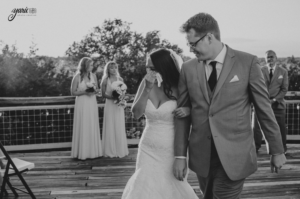 Preview_WeddingDay_Mallory_&_Hank_YaruPhotoMotion_R-60