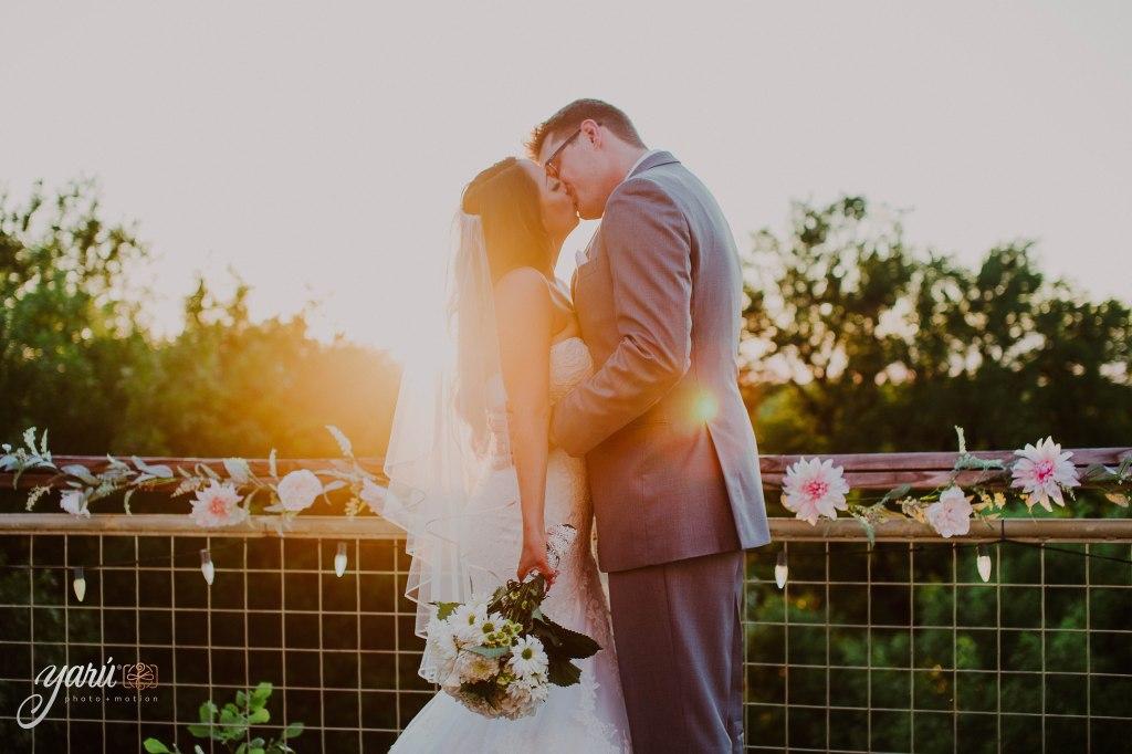 Preview_WeddingDay_Mallory_&_Hank_YaruPhotoMotion_R-65