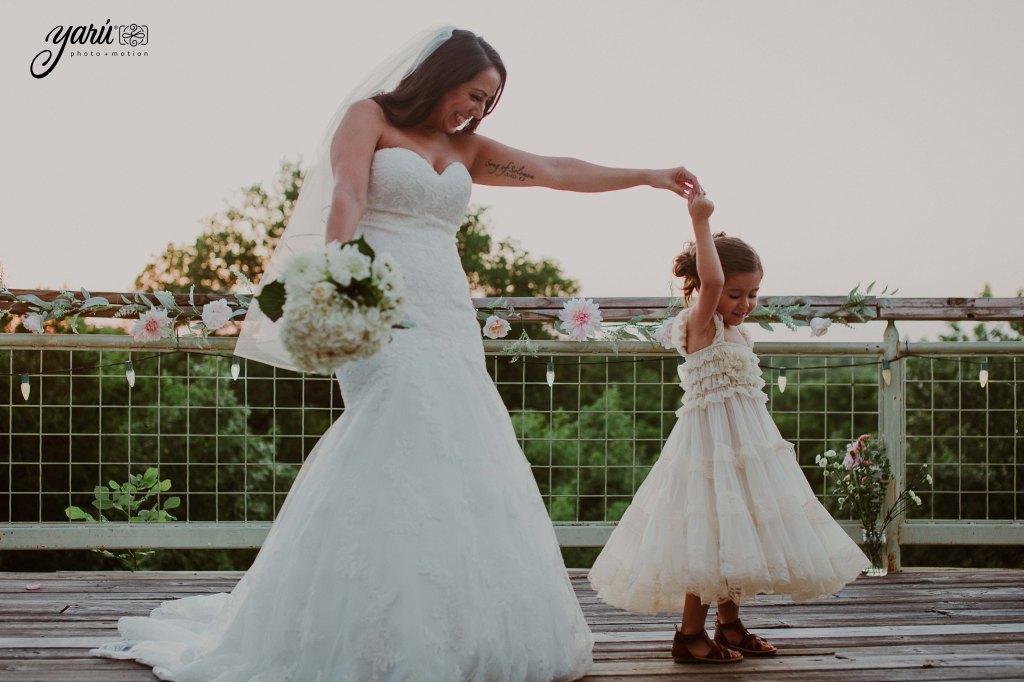 Preview_WeddingDay_Mallory_&_Hank_YaruPhotoMotion_R-77