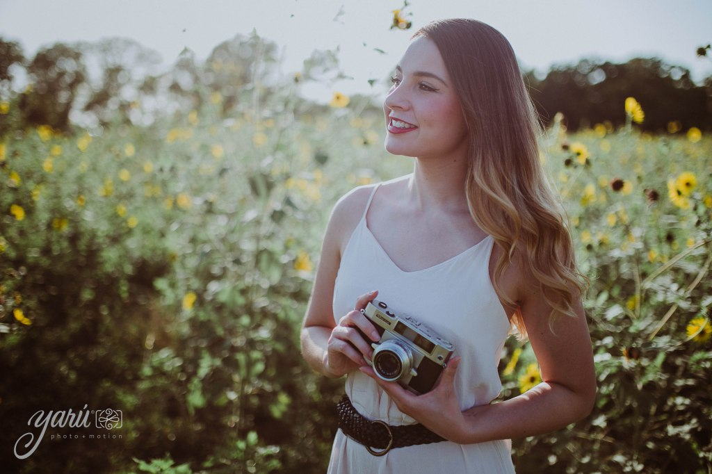 Photoshoot_Jessica_Sunflower_Field_Dallas_Texas_Yaruphotomotion_R-219 copia