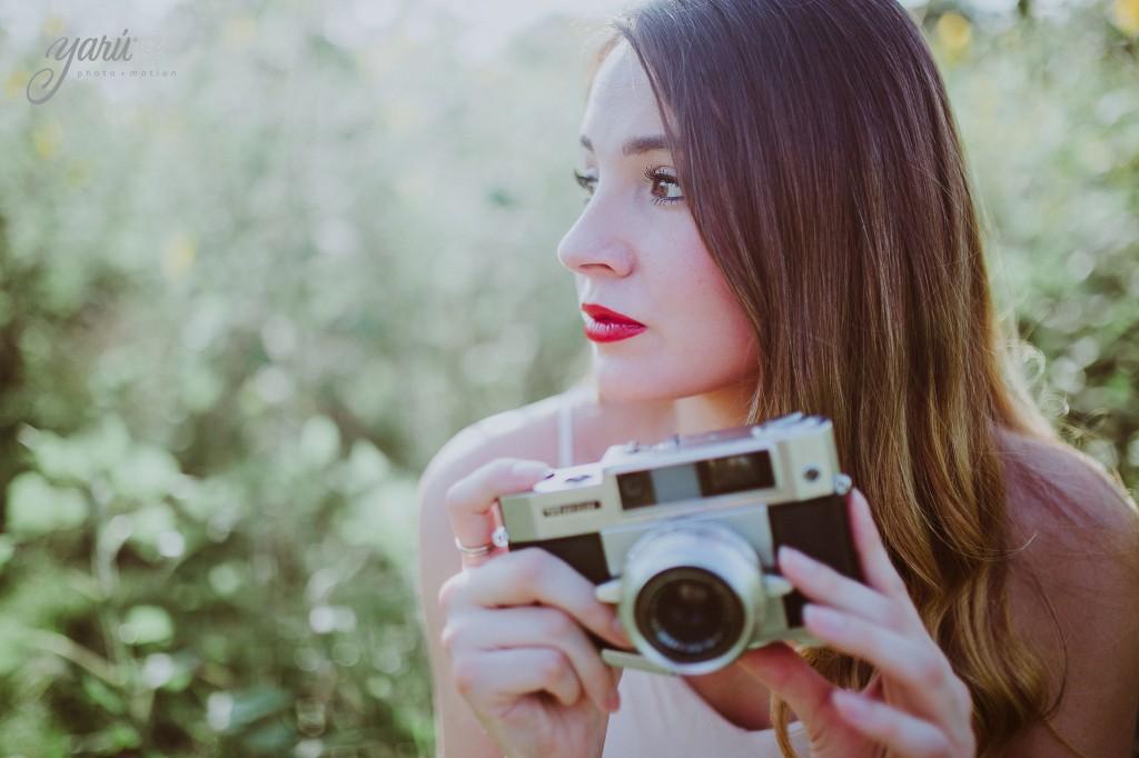 Photoshoot_Jessica_Sunflower_Field_Dallas_Texas_Yaruphotomotion_R-238