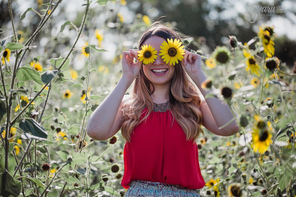 Photoshoot_Jessica_Sunflower_Field_Dallas_Texas_Yaruphotomotion_R-40
