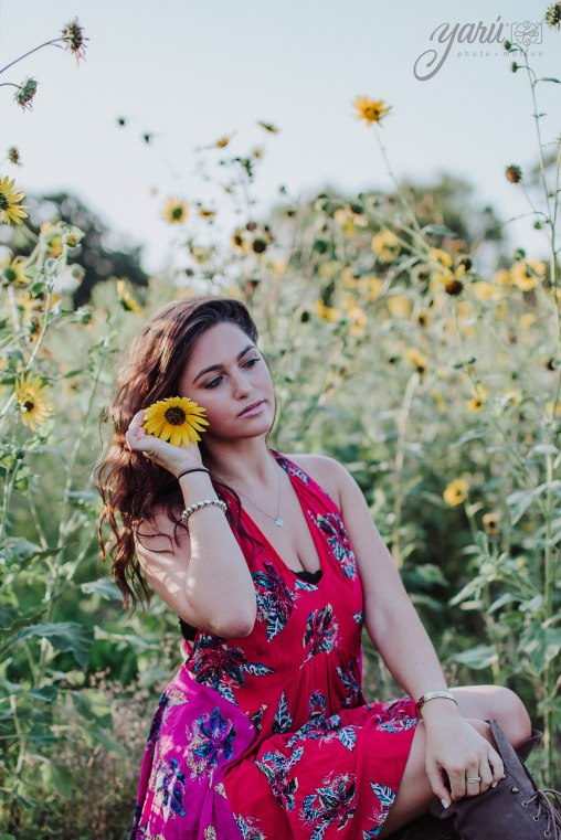 Photoshoot_Victoria_Sunflower_Field_Dallas_Texas_YaRuPhotomotion_Y-120