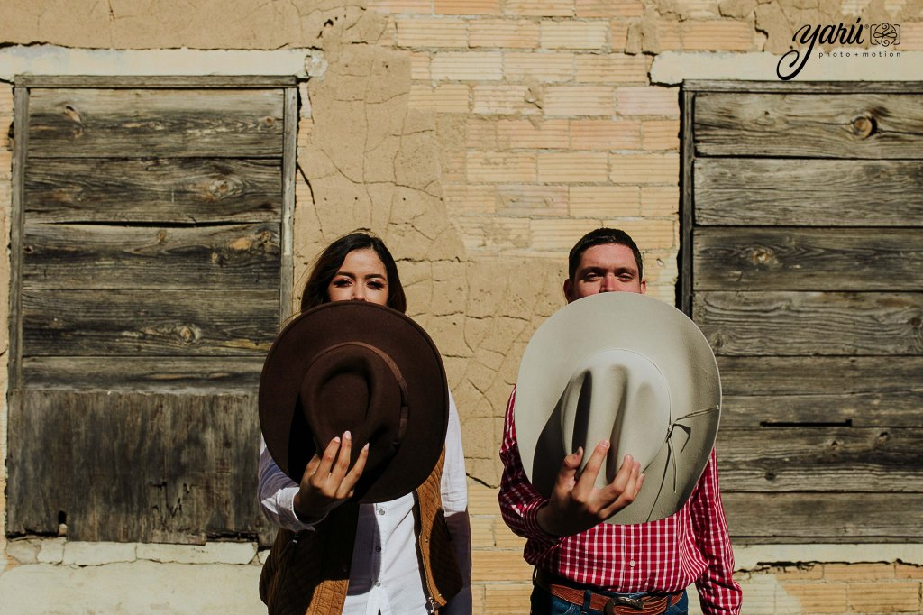 itzel_gustavo_engagement_session_texas_yaru_photo_motion_r-103 copia