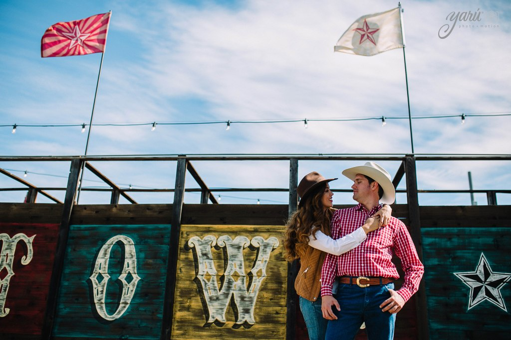 itzel_gustavo_engagement_session_texas_yaru_photo_motion_r-261 copia